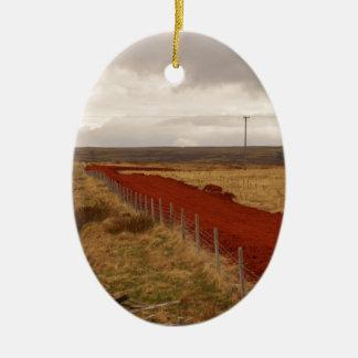 アイスランドの赤い砂利道 セラミックオーナメント