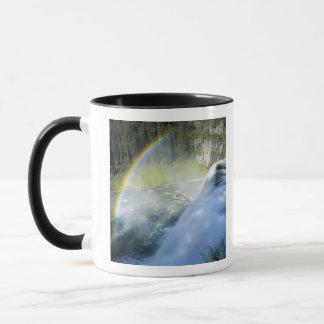 アイダホ。 米国. 上部メサの上のスプレーの虹 マグカップ