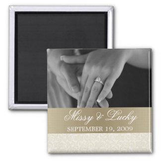 アイボリー及び金ゴールドの保存日付の磁石 マグネット