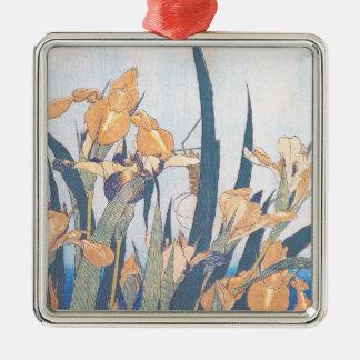 アイリスおよびバッタのKatsushika Hokusaiの花 メタルオーナメント