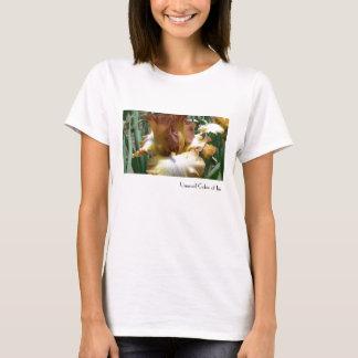 アイリスの珍しい色 Tシャツ