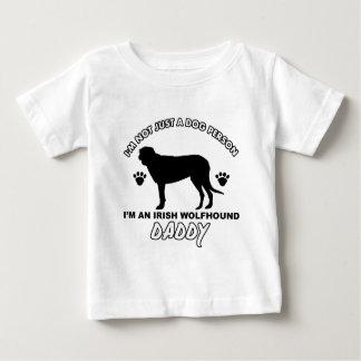 アイリッシュ・ウルフハウンド犬のお父さん ベビーTシャツ
