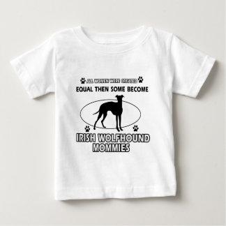 アイリッシュ・ウルフハウンド犬のデザイン ベビーTシャツ