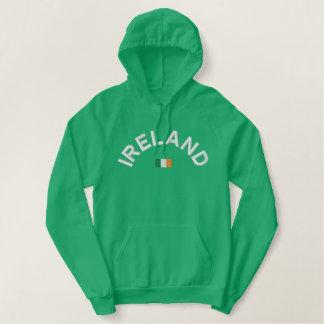 アイルランドで来られるアイルランドのフード付きスウェットシャツ-! 刺繍入りパーカ