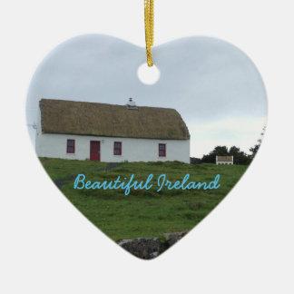 アイルランドのオーナメントのアイルランドの家 セラミックオーナメント