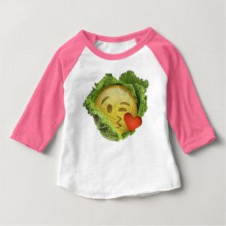 アイルランドのキャベツ愛emojiの幸運なセントパトリックの日 ベビーTシャツ