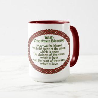 アイルランドのクリスマスの天恵、赤い緑のケルト族の休日 マグカップ