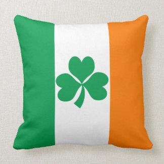 アイルランドのシャムロックの旗 クッション