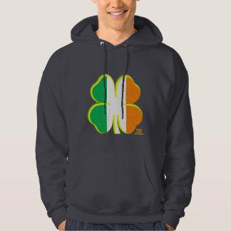 アイルランドの三色の4つの葉のクローバー パーカ
