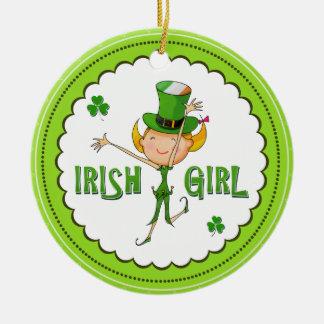 アイルランドの女の子の小妖精の帽子の旗及びシャムロックのクローバー セラミックオーナメント