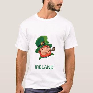 アイルランドの小妖精のTシャツ Tシャツ