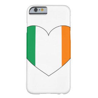 アイルランドの旗のハート BARELY THERE iPhone 6 ケース