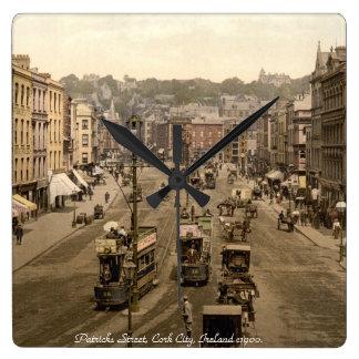 アイルランドの柱時計、ヴィンテージのコルクの通り場面 スクエア壁時計