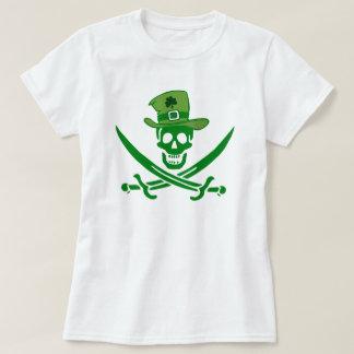 アイルランドの海賊スカルの旗のTシャツ Tシャツ