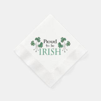アイルランドの紙ナプキンがあること誇りを持ったな緑のシャムロック 縁ありカクテルナプキン