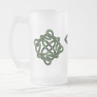 アイルランドの結び目のマグ フロストグラスビールジョッキ