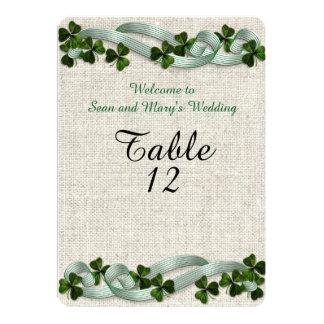 アイルランドの結婚式のテーブルはエレガントな麻布を梳きます 12.7 X 17.8 インビテーションカード