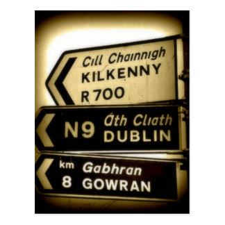 アイルランドの路傍のシンボルや象徴 ポストカード
