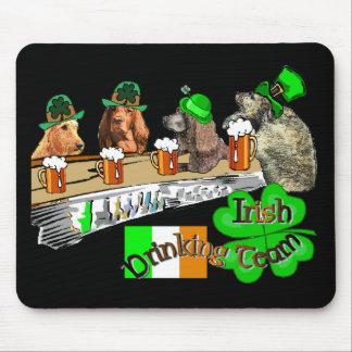 アイルランドの飲むチームSt patricks day マウスパッド