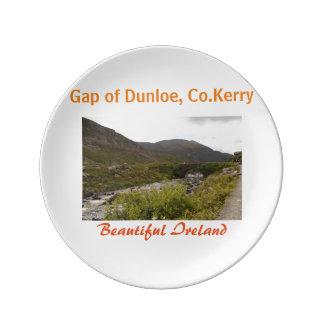 アイルランドのdunloe 1の最も素晴らしい景色のギャップ 磁器プレート