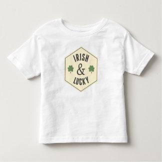 アイルランド及び幸運な幼児のティー トドラーTシャツ