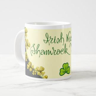 アイルランド語はシャムロックの願いに接吻します ジャンボコーヒーマグカップ