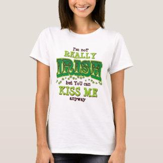 アイルランド語、私にSt patricks dayのTシャツとにかく接吻して下さい Tシャツ