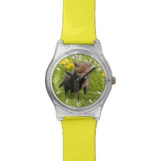 アカギツネのカブスのかわいく柔らかい野生のベビーのガーリーな目盛板 腕時計