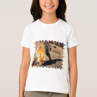 アカギツネの生息地の子供のTシャツ Tシャツ