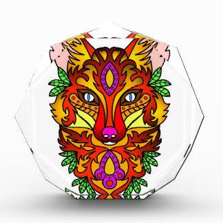 アカギツネの頭部の様式化されたスケッチ 表彰盾