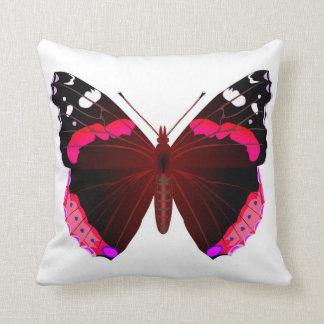 アカタテハチョウの蝶 クッション