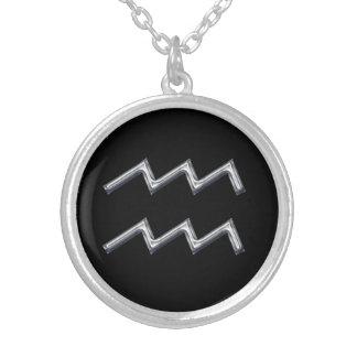 アクエリアスの(占星術の)十二宮図の印のどの金属のデザイン シルバープレートネックレス