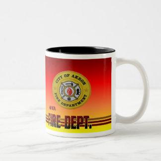 アクロンオハイオ州の消防署のマグ ツートーンマグカップ