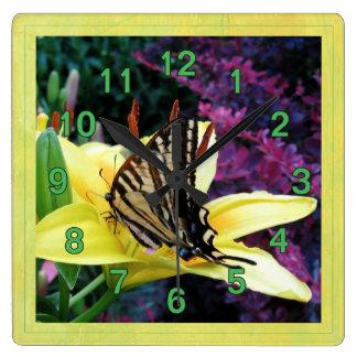 アゲハチョウユリの庭 スクエア壁時計