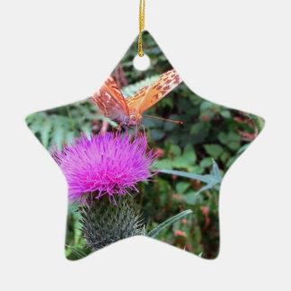 アザミの花の美しいオレンジ蝶 陶器製星型オーナメント