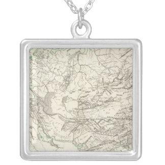 アジアおよびヨーロッパの山脈 シルバープレートネックレス