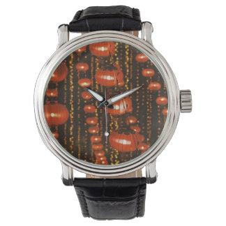 アジアの中国、北京。 赤く中国のなランタン、 腕時計