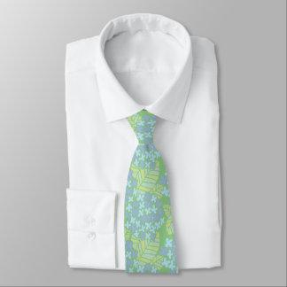 アジアインスパイア青及び緑の花の首のタイ ネクタイ