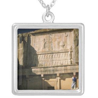 アジア、イラン、DariusのPersepolis.Tomb大きいの シルバープレートネックレス