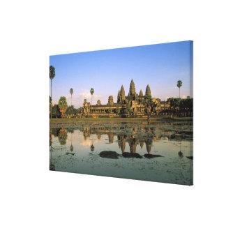 アジア、カンボジア、シェムリアップ。 アンコール・ワット。 2 キャンバスプリント