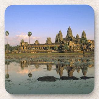 アジア、カンボジア、シェムリアップ。 アンコール・ワット。 2 コースター