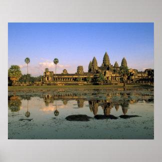 アジア、カンボジア、シェムリアップ。 アンコール・ワット。 2 ポスター