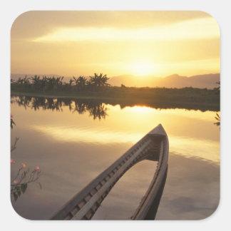 アジア、ビルマ(ミャンマー)のくぼんだ漁船 スクエアシール