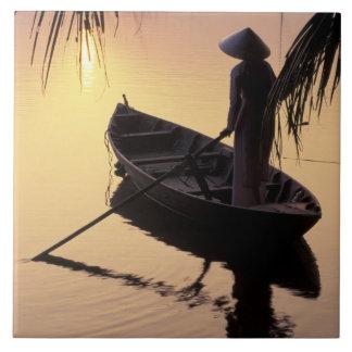 アジア、ベトナム、メコン川のデルタ、カントー。 均等になること タイル