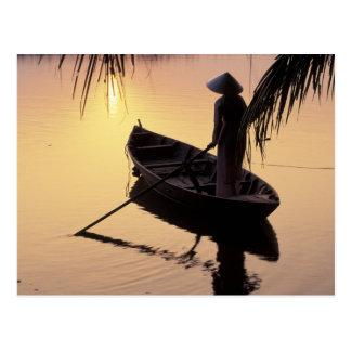 アジア、ベトナム、メコン川のデルタ、カントー。 均等になること ポストカード