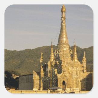 アジア、ミャンマーのInle湖。 塔 スクエアシール