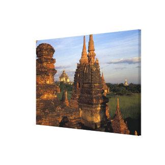 アジア、ミャンマー、Bagan。 古代寺院 キャンバスプリント
