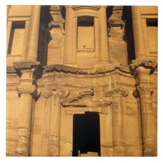 アジア、ヨルダン、Petra。 El Deirの修道院 タイル