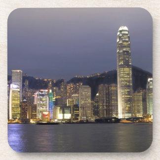 アジア、中国、香港、都市スカイラインおよび2 コースター