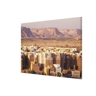 アジア、中東のイエメンの共和国。 Shibam キャンバスプリント